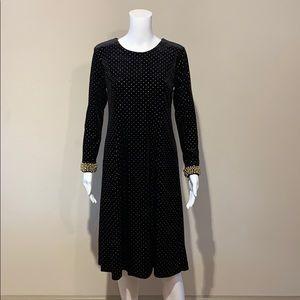 NWT Tahari Black Velvet Long Sleeve Dress Gold 6